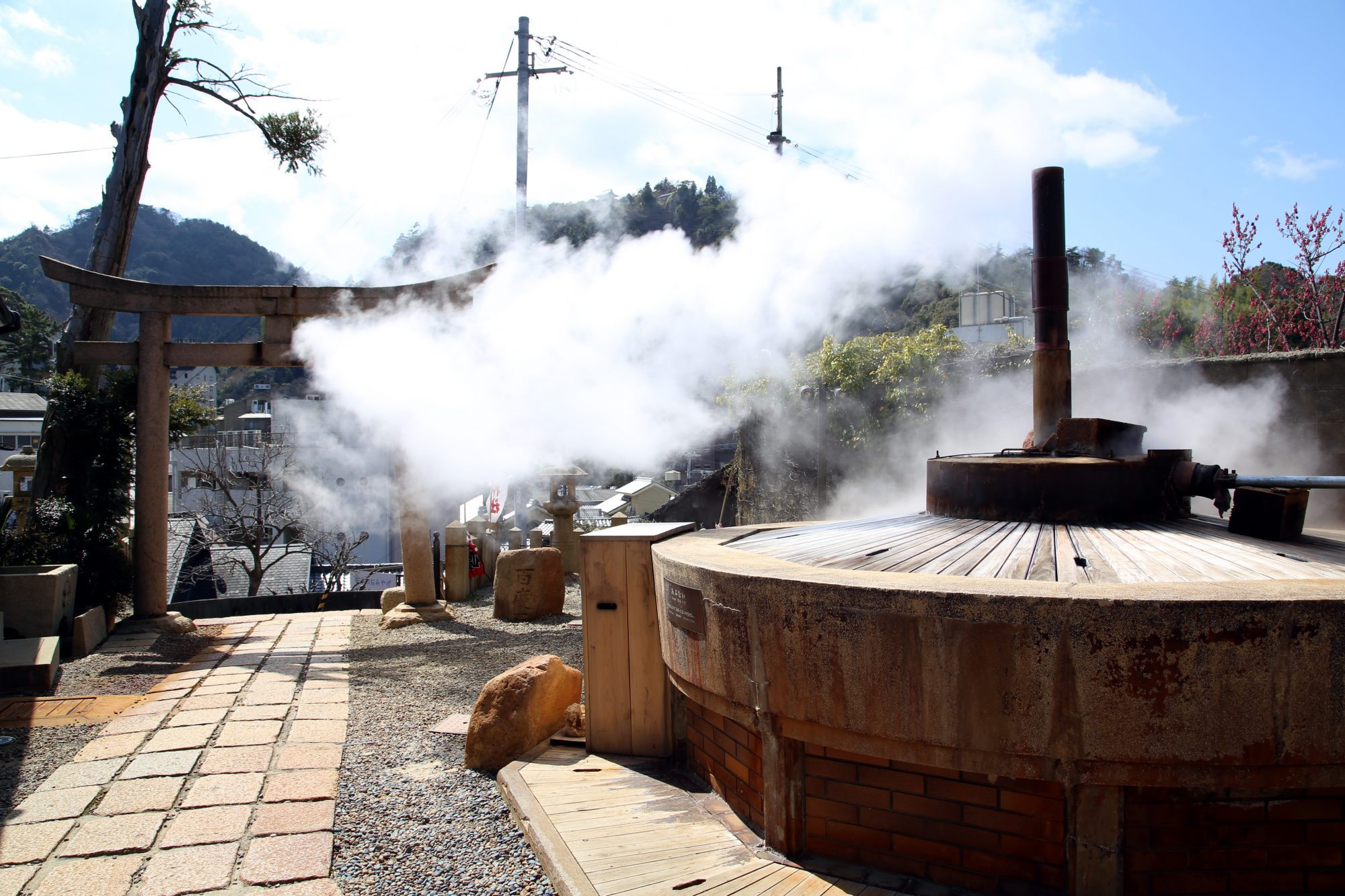 tenjin-spring-source-at-Arima-onsen-e1509082998126